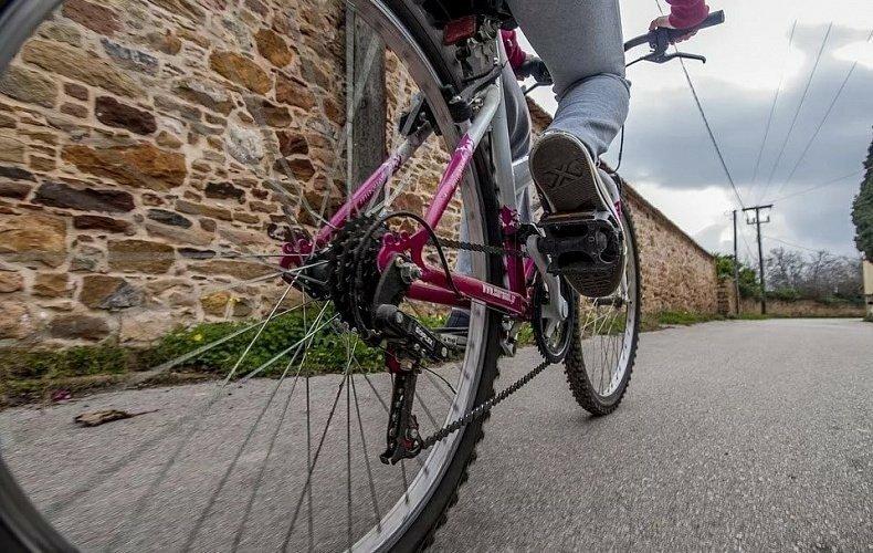 В Новомосковске мужчина угнал велосипед «среди ночи»