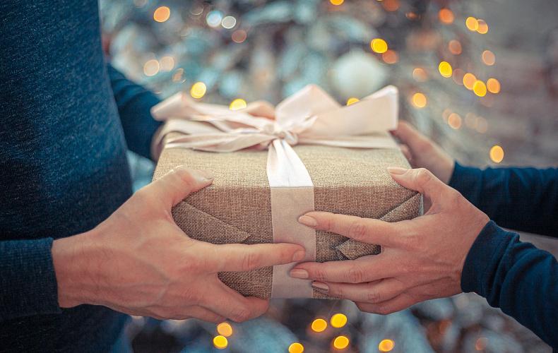 Россияне назвали самые плохие подарки на Новый Год