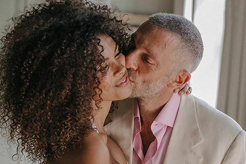Тина Кунаки опубликовала свадебные фото с Венсаном Касселем по случаю второй годовщины брака