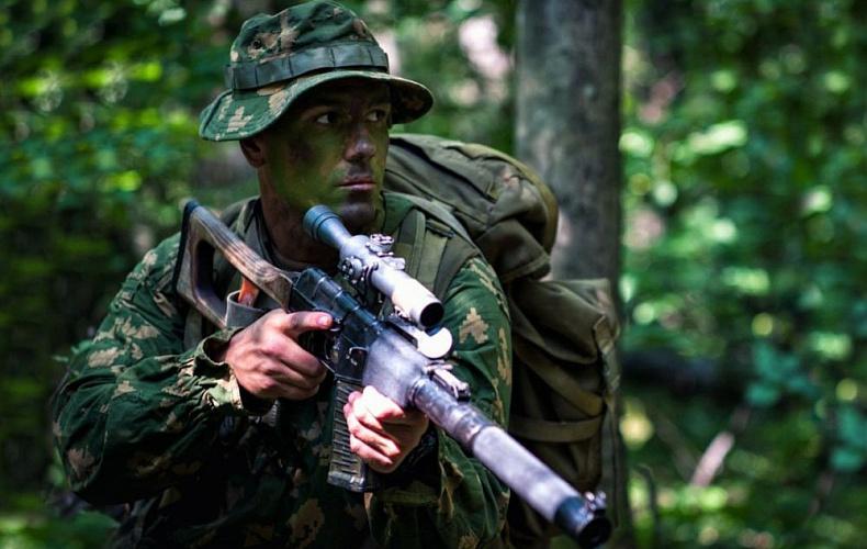 Алексей Дюмин поздравил тульских спецназовцев с праздником