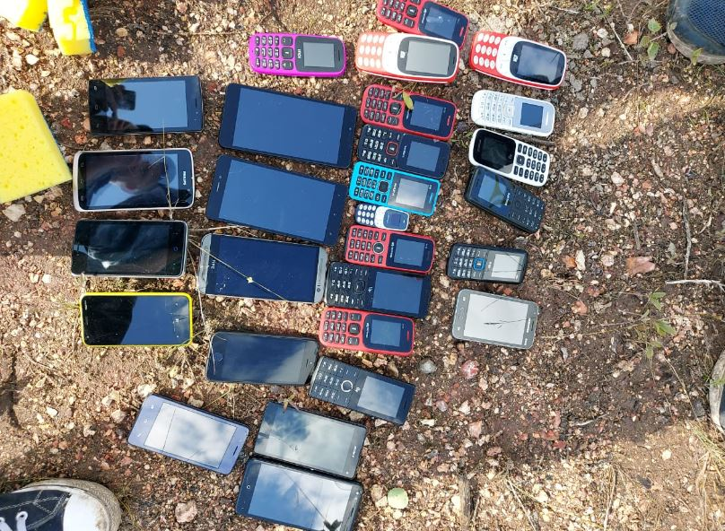 Крупная партия мобильников, предназначенных для осужденных, изъята в Тульской области