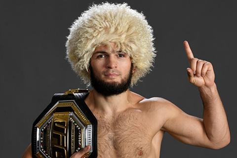 Хабиб Нурмагомедов защитил титул чемпиона UFC и объявил о завершении карьеры