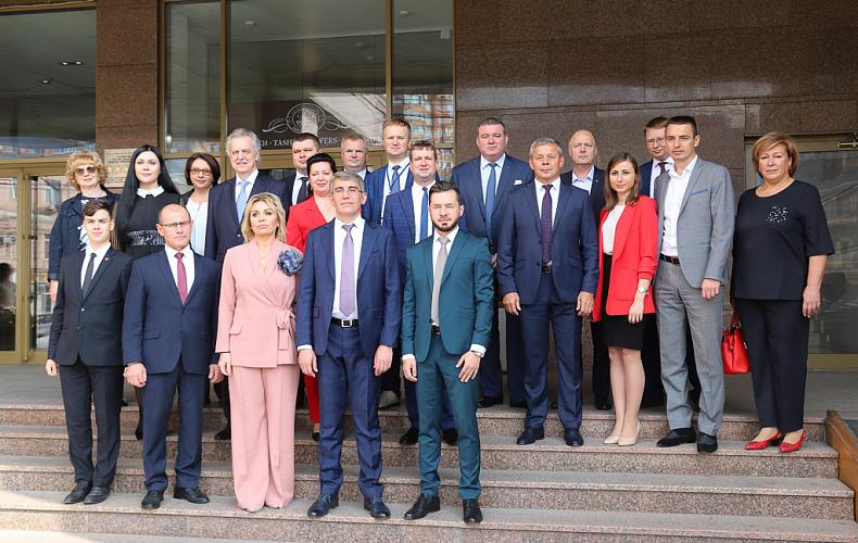 Депутаты из разных регионов приехали поздравить руководителей Тулы с Днем города