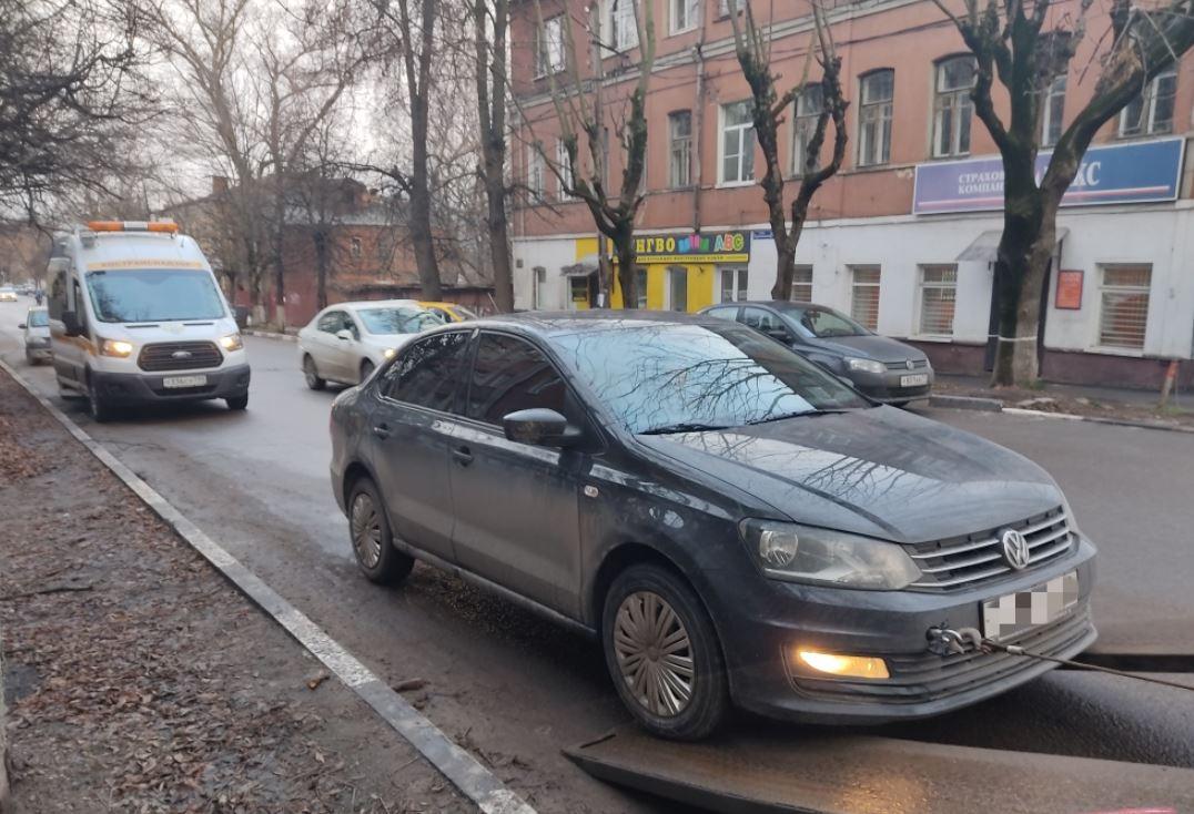За сутки в Тульской области выявили 4 таксистов-нелегалов