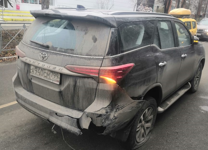 В Туле машина ДПС столкнулась с внедорожником