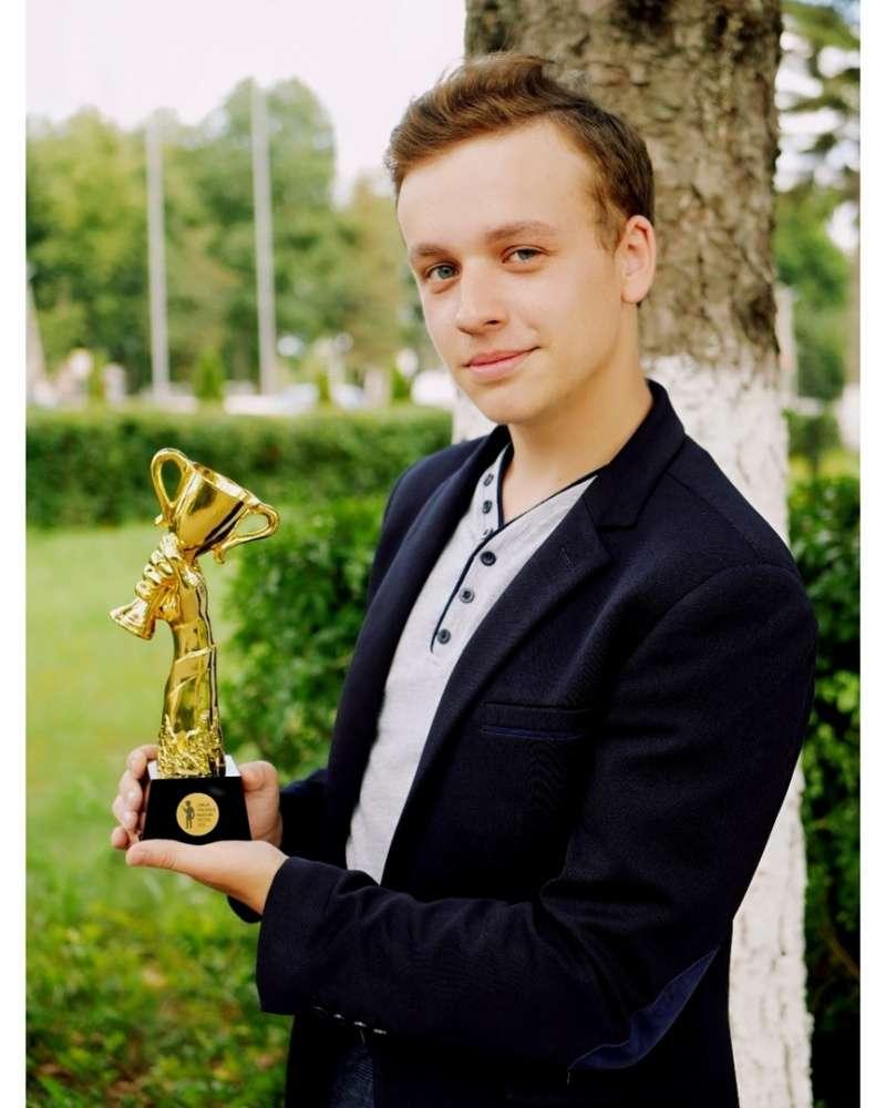 Старшеклассник из Щекина признан самым красивым в России