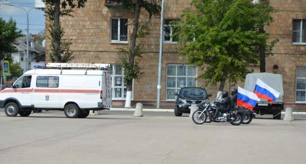 В Щёкино отметили 30-летие МЧС автопробегом