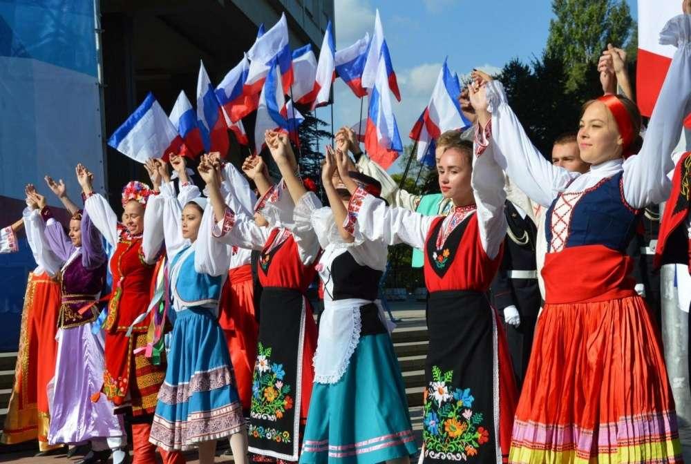 Тулякам предлагают рассказать о богатом наследии народов России