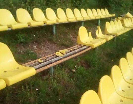 На стадионе в Советске «поработали» вандалы