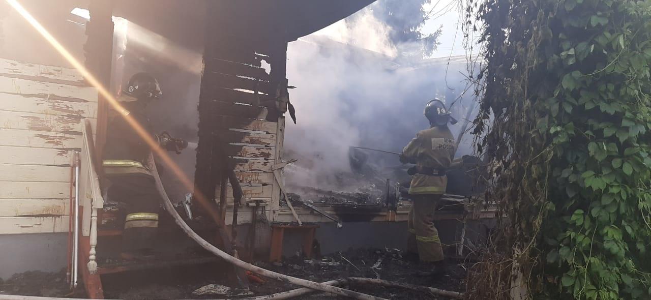 Пожар в Тульской области уничтожил жилой дом: есть пострадавший