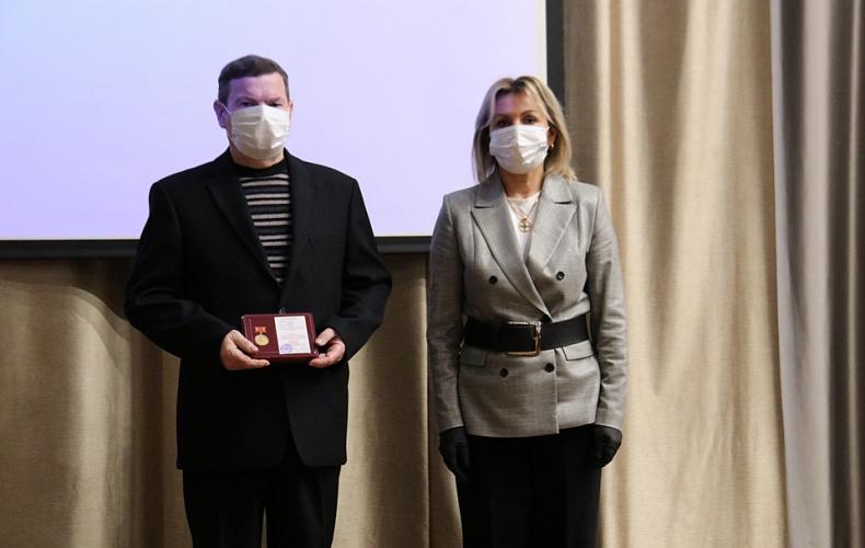 Мэр Тулы Ольга Слюсарева вручила награды отличившимся горожанам