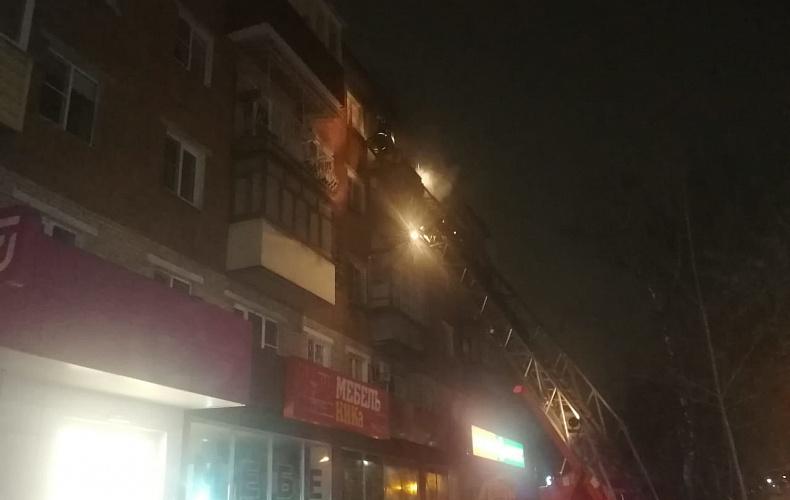 12 человек эвакуировали из горящего дома в Туле