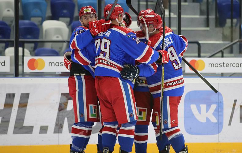 Тульская хоккейная команда одержала победу над соперниками из Ленинградской области